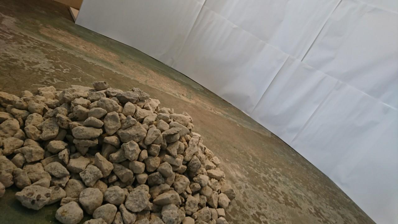 seboneのワークショップで使われた瓦礫